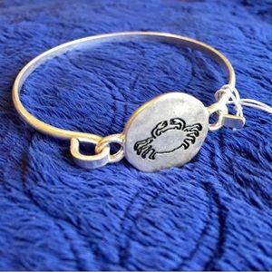 • Silver Crab Bangle Bracelet •